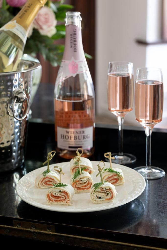 Leckere Wraps mit Lachs Frischkäse und Kren gefüllt als leckeres Fingerfood nach einem Rezept von Sweets & Lifestyle®