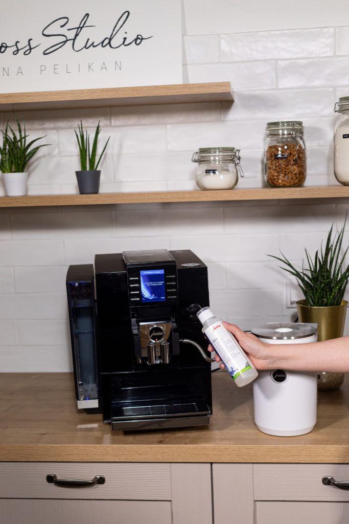 Milchsystem reinigen vom JURA Z6 Kaffeevollautomaten
