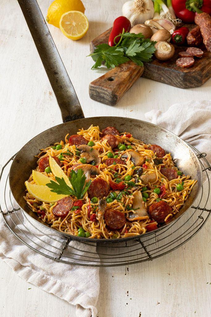Leckere Nudel Paella mit Chorizo nach einem Rezept von Sweets & Lifestyle®