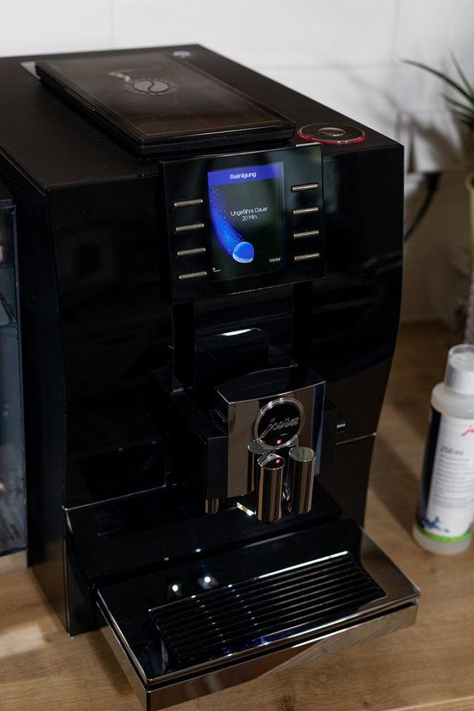 Reinigung vom JURA Z6 Kaffeevollautomaten