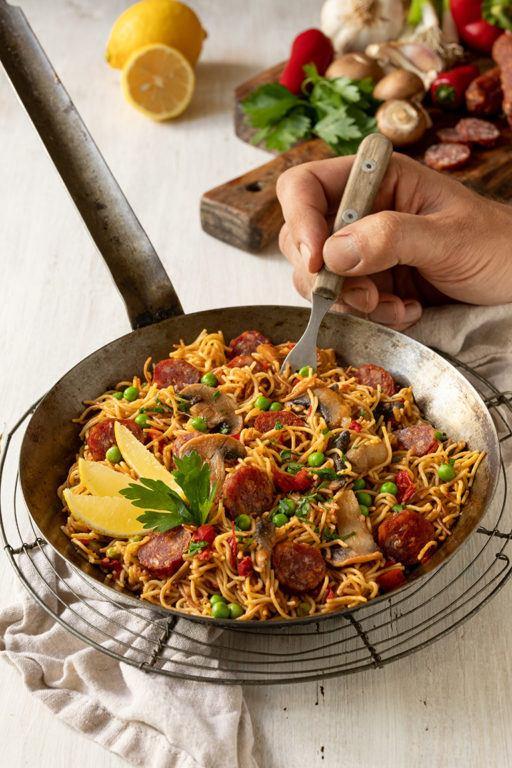 Schnelle Nudel Paella mit Chorizo nach einem einfachen Rezept von Sweets & Lifestyle®