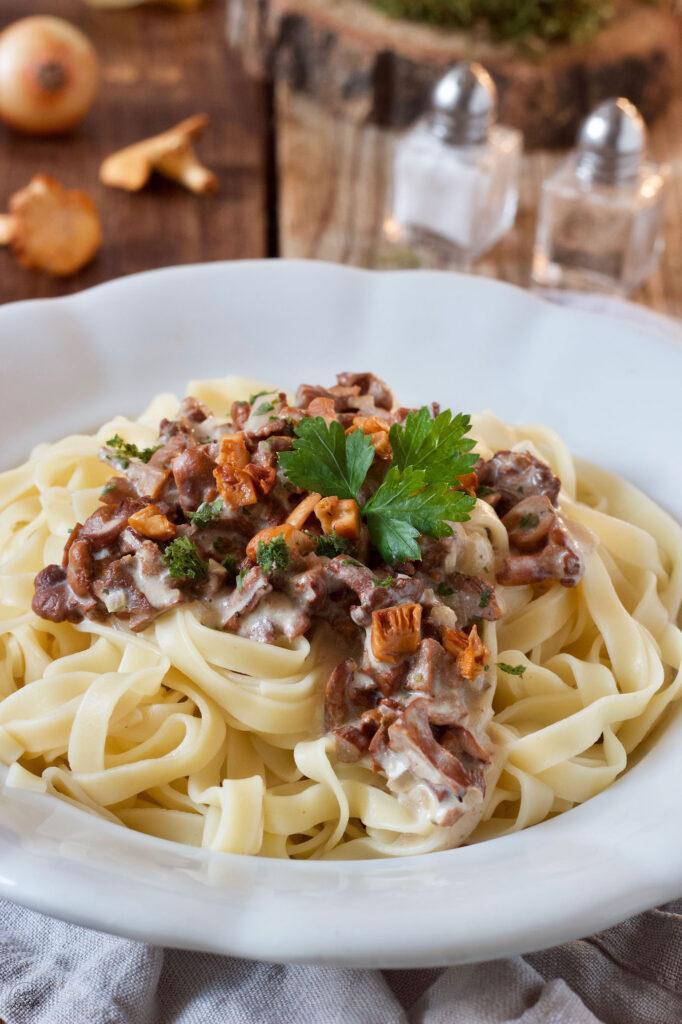 Pasta mit Eierschwammerlsauce nach einem Rezept von Sweets & Lifestyle®