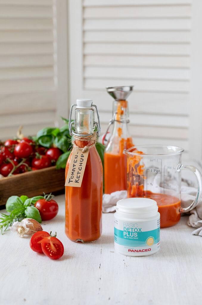 Zuckerfreier Tomatenketchup gemacht mit BASIC-DETOX PLUS Pulver von PANACEO nach einem Rezept von Sweets & Lifestyle®