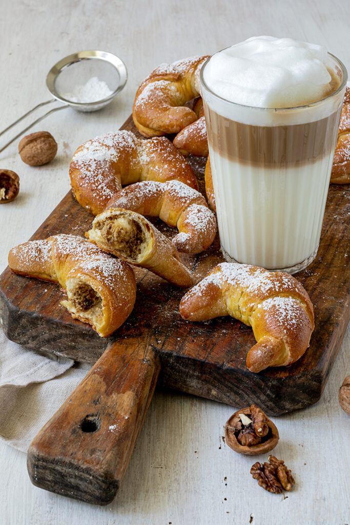 Leckere Nusskipferl nach einem einfachen und schnellen Rezept von Sweets & Lifestyle®