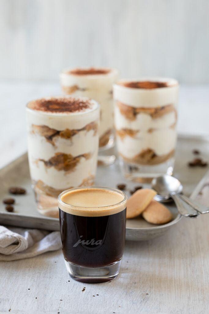 Tiramisu ohne Ei gemacht mit frisch gebruehtem Jura Espresso nach einem Rezept von Sweets & Lifestyle®