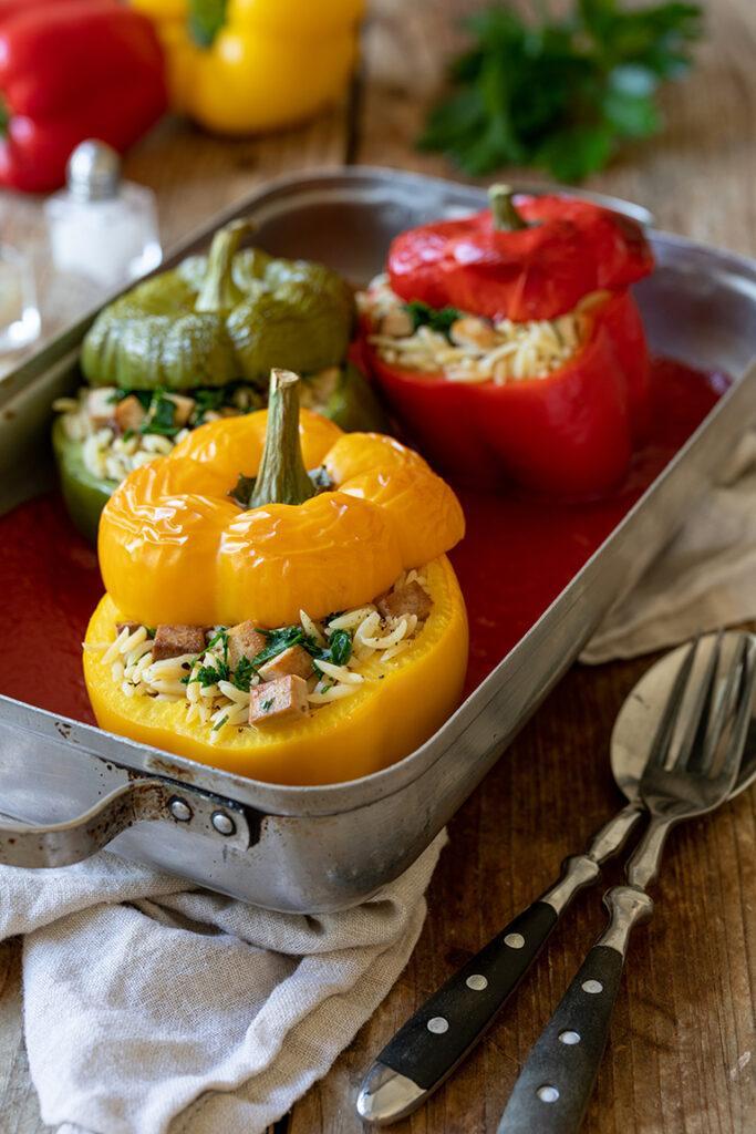 Gefuellte Paprika in vegetarischer Variante mit Nudelreis und Tofu nach einem Rezept von Sweets & Lifestyle®