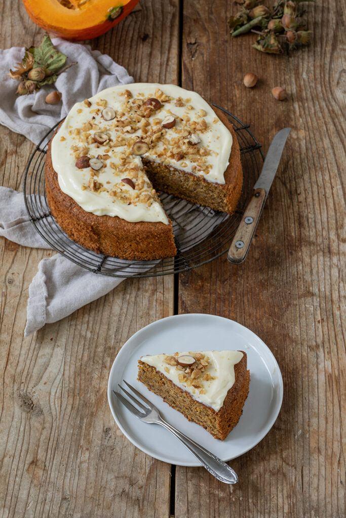 Gesunder Kuerbiskuchen mit Dinkelmehl und Kokosbluetenzucker gemacht nach einem Rezept von Sweets & Lifestyle®