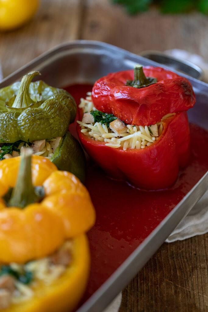 Mit Nudelreis und Tofu gefuellte Paprika nach einem Rezept von Sweets & Lifestyle®