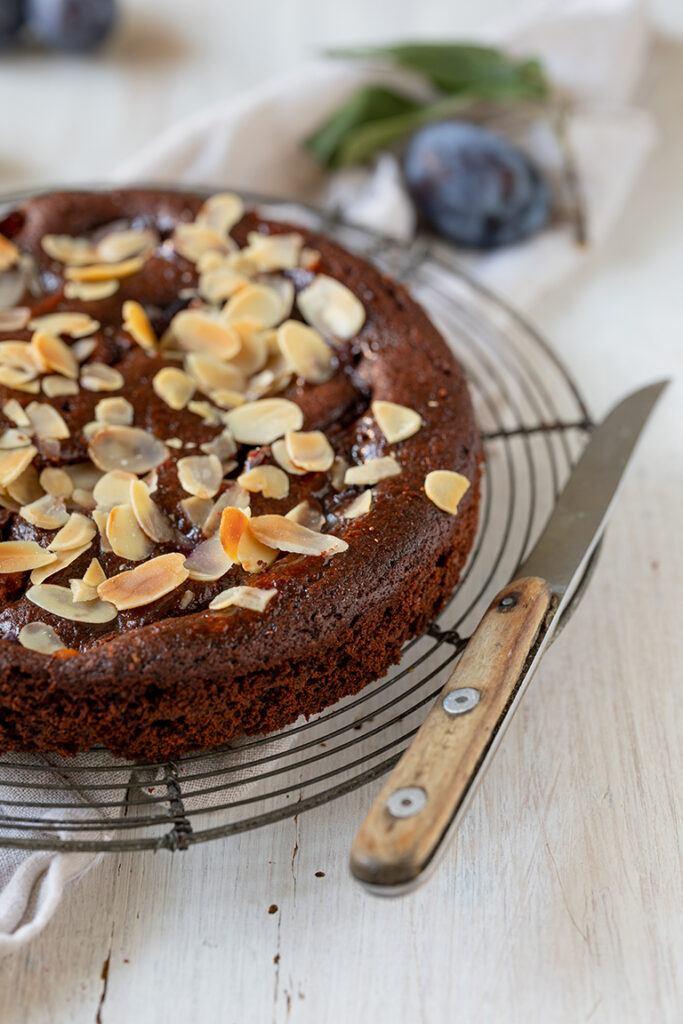 Schokoladen Zwetschken Kuchen aus Ruehrteig nach einem Rezept von Sweets & Lifestyle®