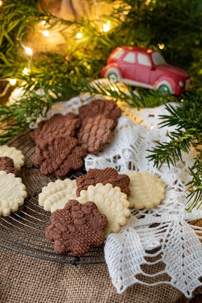 Leckeres Weihnachts-Kekse in Haekeldeckenoptik nach einem Rezept von Sweets & Lifestyle®