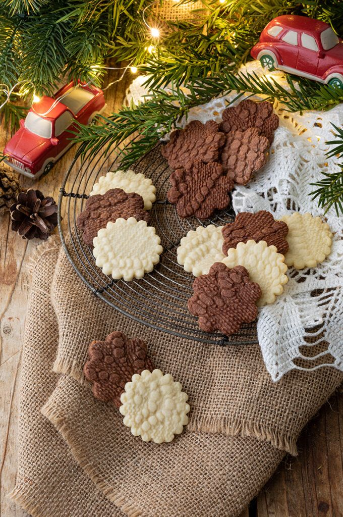 Plaetzchen mit Haekeldeckenmuster nach einem Rezept von Sweets & Lifestyle®