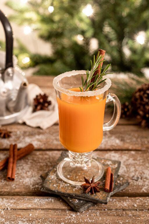 Aprikosen Weisswein Punsch nach einen Rezept von Sweets & Lifestyle®