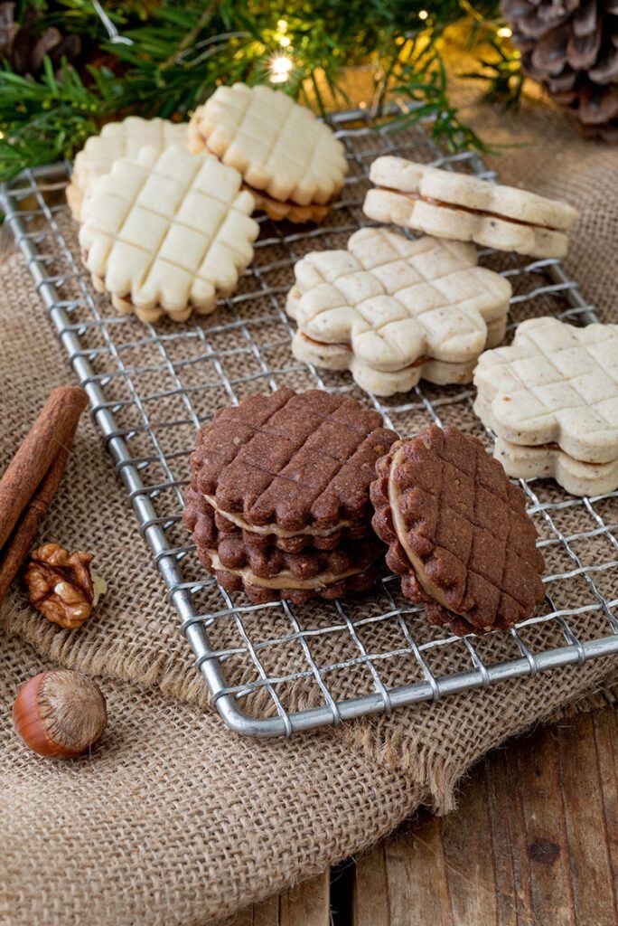 Gitter Kekse aus drei verschiedenen Teigen nach einem Rezept von Sweets & Lifestyle®