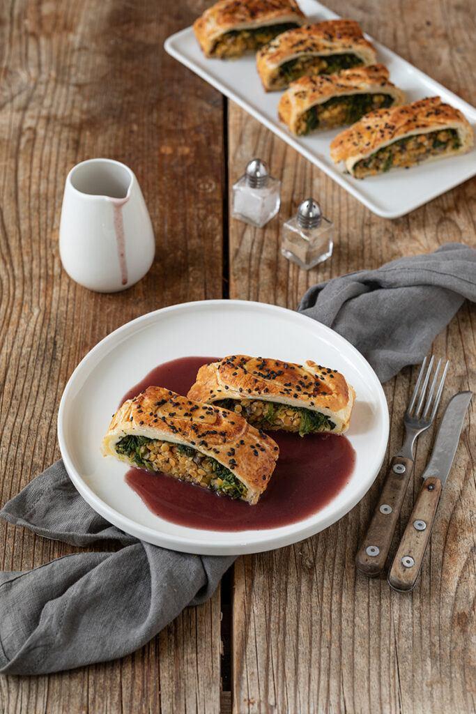 Veganer Linsenstrudel mit roten Linsen Spinat und Champignons nach einem Rezept von Sweets & Lifestyle®