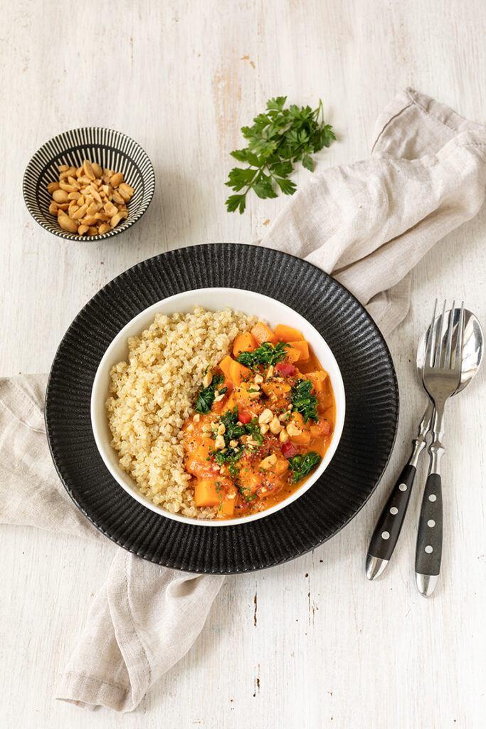 Leckeres Suesskartoffel Curry mit Spinat und Kokosmilch nach einem Rezept von Sweets & Lifestyle®