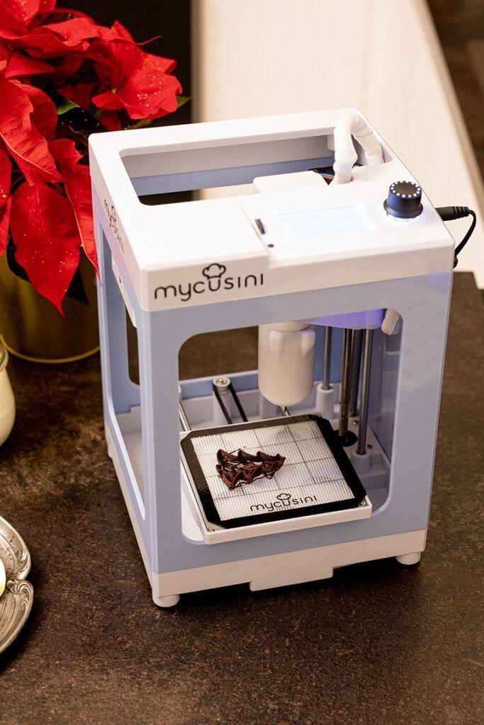Weihnachtsbaum aus Schokolade aus dem mycusini 3D Lebensmitteldrucker