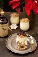 Weisses Lebkuchen Mousse mit Weinviertel Dry Gin der Brennerei Kraus nach einem Rezept von Sweets & Lifestyle®
