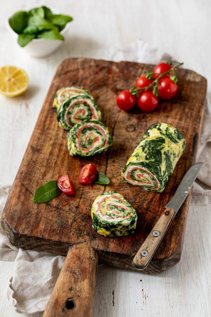 Low Carb Lachs Spinat Rolle mit Frischkaese nach einem Rezept von Sweets & Lifestyle®