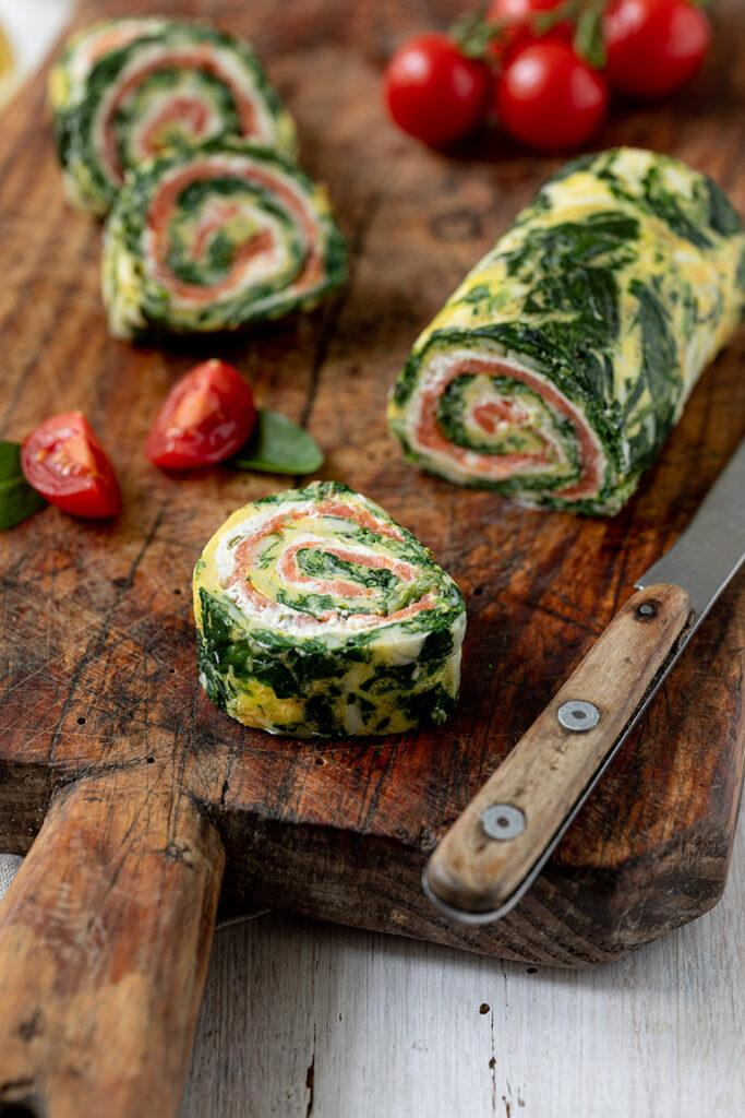 Low Carb Spinat Lachs Rolle als einfaches Fingerfood nach einem Rezept von Sweets & Lifestyle®