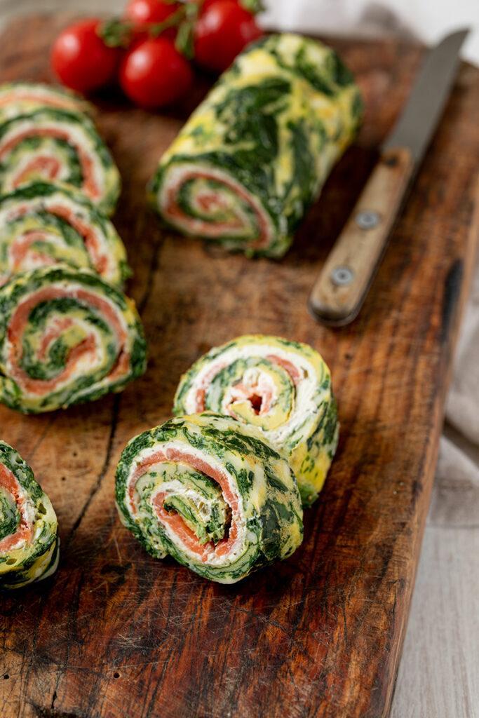 Low Carb Roellchen mit Spinat Frischkaese und Lachs nach einem Rezept von Sweets & Lifestyle®