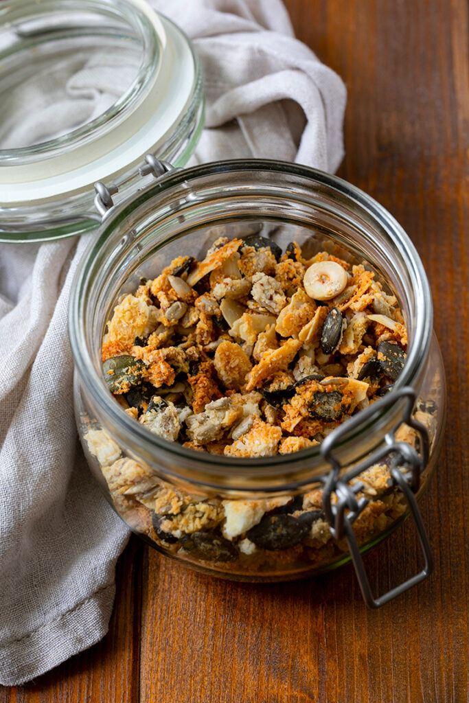 Selbst gemachtes Knuspermuesli mit Nuessen nach einem Rezept von Sweets & Lifestyle®