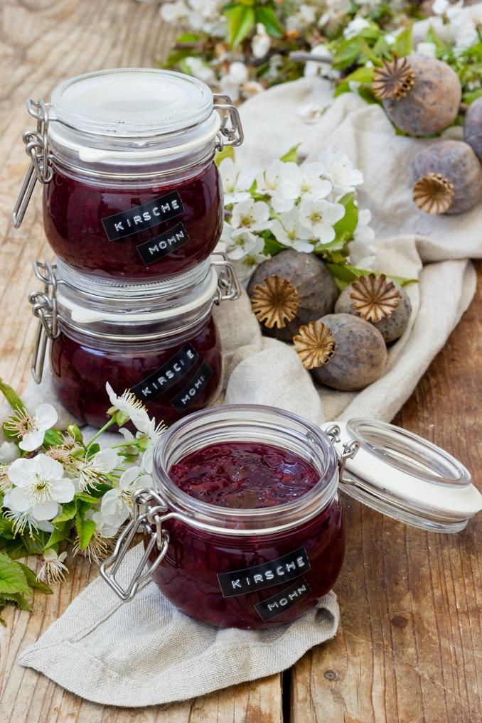 Selbst gemachte Kirsche Mohn Marmelade nach einem Rezept von Sweets & Lifestyle®