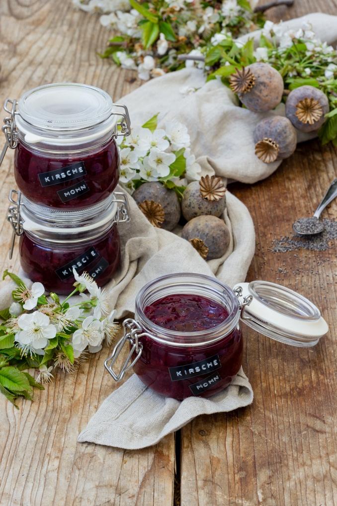 Leckere Kirschenmarmelade mit Mohn nach einem Rezept von Sweets & Lifestyle®
