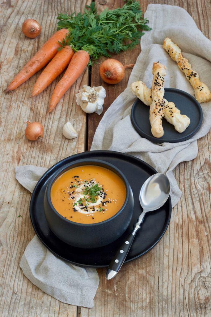 Leckere Karottensuppe die einfach und schnell gemacht ist nach einem Rezept von Sweets & Lifestyle®