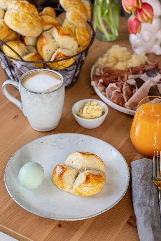 Omas Osterpinze mit Safran verfeinert nach einem Rezept von Sweets & Lifestyle®
