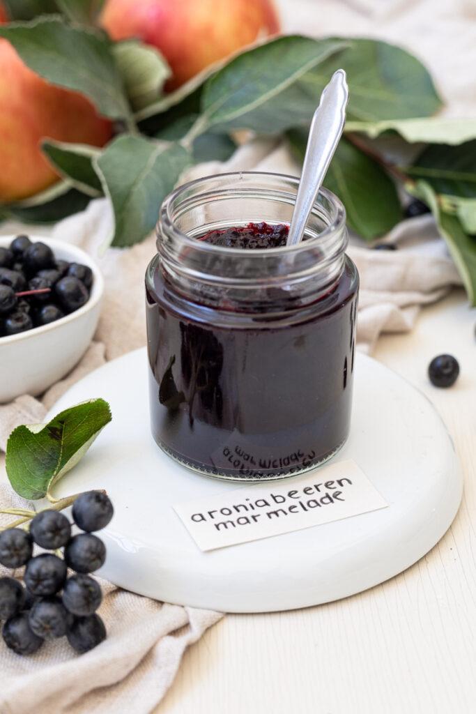 Fruchtige Aronia Apfel Konfituere nach einem Rezept von Sweets & Lifestyle®