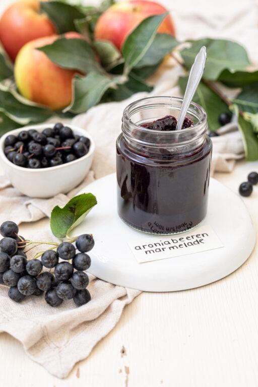 Angenehm herbe Aroniamarmelade mit Apfel nach einem Rezept von Sweets & Lifestyle®