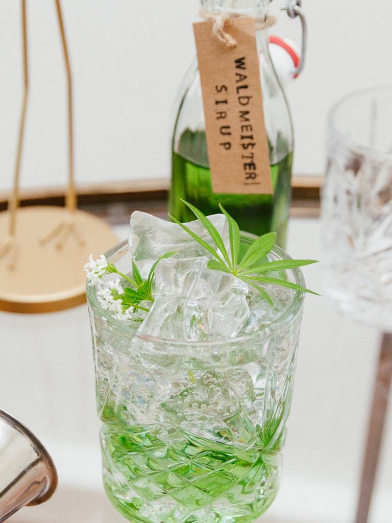 Leckeres Waldmeister Gin Tonic nach einem Rezept von Sweets & Lifestyle®