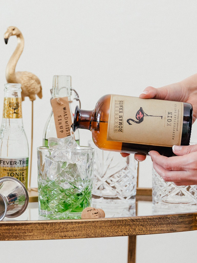 Waldmeister Gin Tonic mit Weinviertel Dry Gin der Brennerei Roman Kraus gemacht nach einem Rezept von Sweets & Lifestyle®