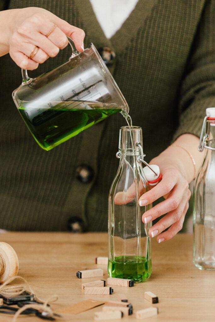 Waldmeistersirup aus echtem Kraut einfach selber machen nach dem Rezept von Sweets & Lifestyle®