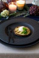 Gegrillte Ananas mit Vanilleeis und frischer Minze serviert nach einem Rezept von Sweets & Lifestyle®