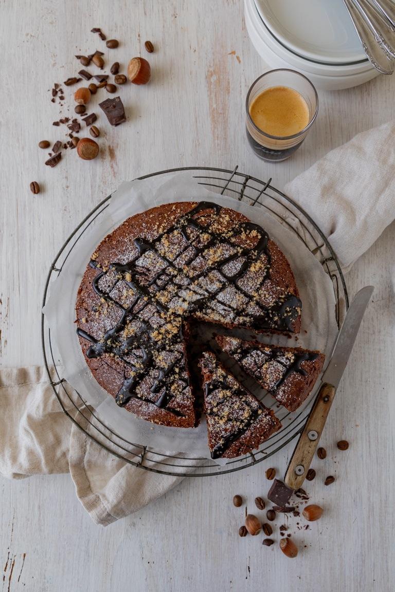 Leckerer saftiger Schoko Nuss Kuchen nach einem Rezept von Sweets & Lifestyle®