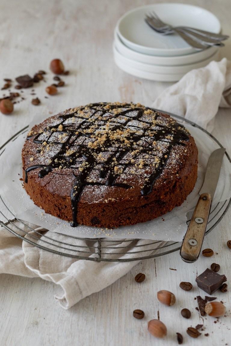 Saftiger Schoko Nuss Kuchen nach einem einfachen Rezept von Sweets & Lifestyle®