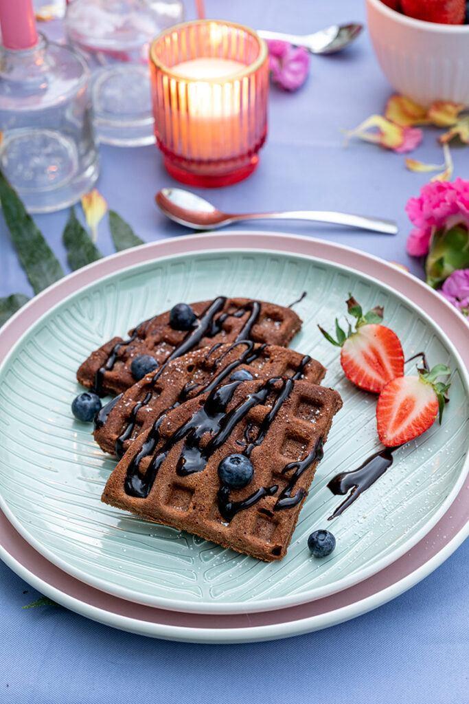 Saftige Schoko Waffeln vom Grill als leckeres Dessert vom Grill nach einem Rezept von Sweets & Lifestyle®