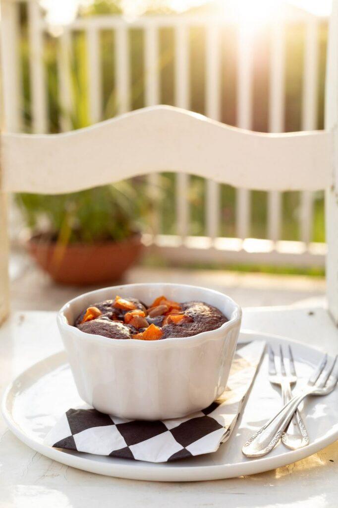 Schokokuchen-vom-Grill-mit-Marillen-als-leckeres-Dessert-vom-Grill-nach-einem-Rezept-von-Sweets & Lifestyle®