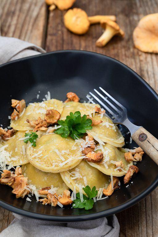 Selbst gemachte Eierschwammerl Ravioli nach einem Rezept von Sweets & Lifestyle®