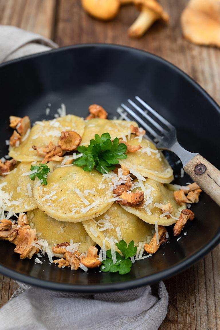 Selbst gemachte Ravioli mit Eierschwammerl nach einem Rezept von Sweets & Lifestyle®
