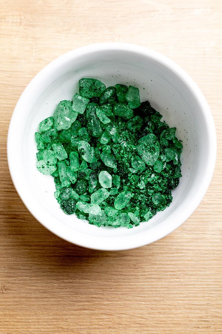 Funkelnde falsche Edelsteine aus Kandiszucker hergestellt nach einer Anleitung von nach einem Rezept von Sweets & Lifestyle®